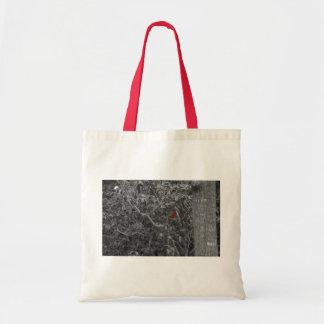 Cardenal en un bolso del árbol bolsa tela barata