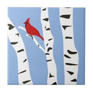 Cardenal y abedul del invierno azulejo cuadrado pequeño