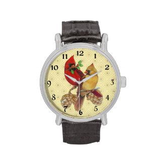Cardenales pino y acebo del invierno relojes de pulsera