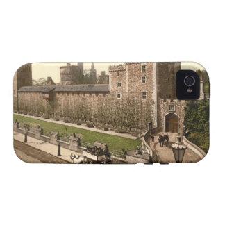 Cardiff Castle I Cardiff Wales iPhone 4 Case