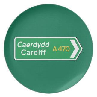 Cardiff señal de tráfico BRITÁNICA Platos