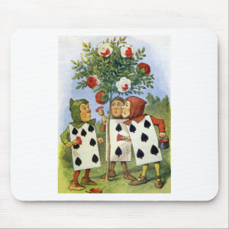 CARDMEN PAINTING THE QUEEN'S ROSES MOUSE PAD