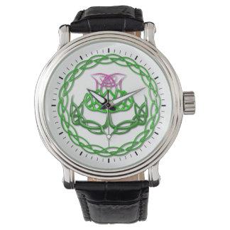 Cardo céltico colorido del nudo relojes