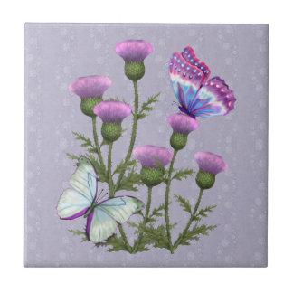 Cardos y mariposas en color de malva azulejo cuadrado pequeño