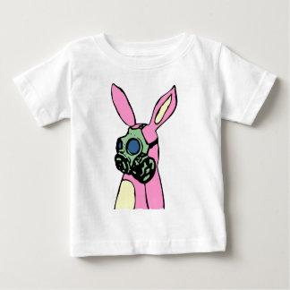 Careta antigás rosada del conejo de conejito playera de bebé