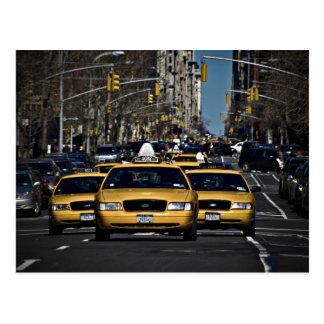 Carga amarilla del taxi postal