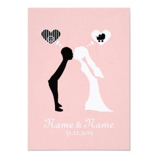 Carga de su de boda: Beso en el futuro común Invitación 12,7 X 17,8 Cm
