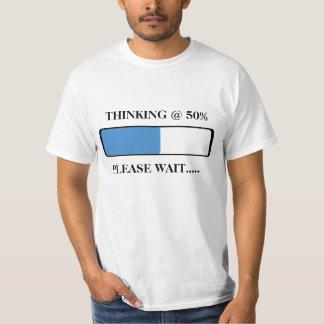 Carga de un pensamiento playera