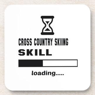 Cargamento de la habilidad del esquí del campo a posavasos de bebida