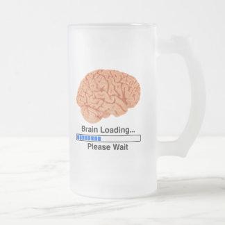 Cargamento del cerebro taza de café