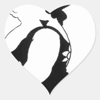 Caricatura de una figura en un vestido del girasol pegatina en forma de corazón