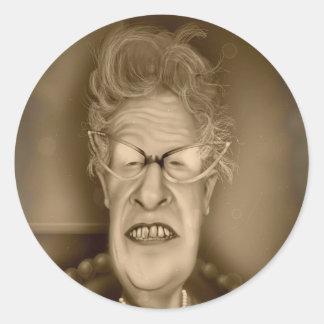 Caricatura del vintage de la señora mayor OAP Etiquetas Redondas