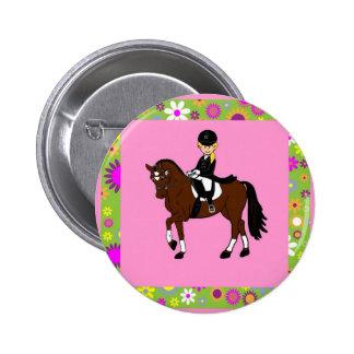 Caricatura rubia del jinete del caballo del pin redondo de 2 pulgadas
