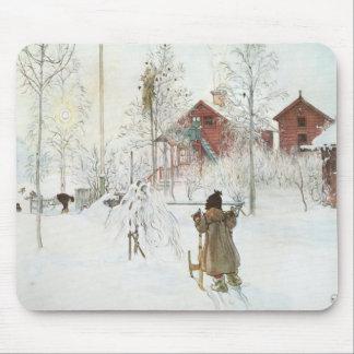 Carl Larsson - jardín y la casa del lavado Tapetes De Raton