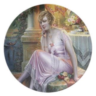 Carlier: Señora elegante Platos Para Fiestas