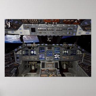 Carlinga del transbordador espacial póster