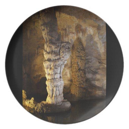 Carlsbad Caverns Party Plates