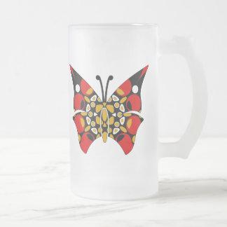 Carmesí y mariposas del oro taza de cristal