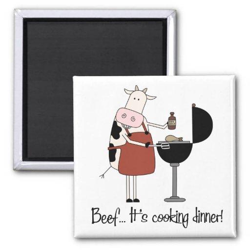 Carne de vaca… ¡Está cocinando la cena! Imán