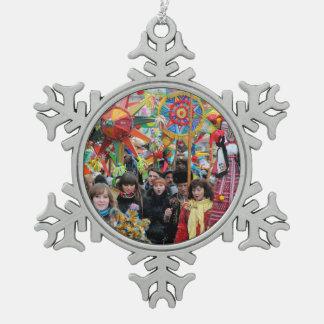 Carolers ucranianos Lviv del navidad Adorno De Peltre En Forma De Copo De Nieve
