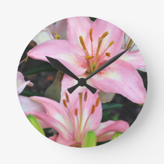 """""""Carole's Flowers"""" v collection Round Clock"""