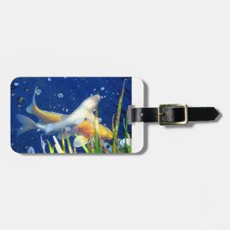 carpa del koi de la natación etiquetas bolsas