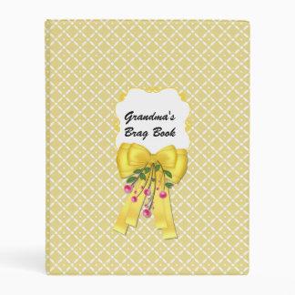 Carpeta amarilla del libro del Brag de la abuela Mini Carpeta