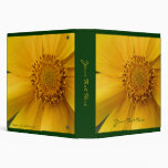 Carpeta amarilla macra de la flor de la margarita