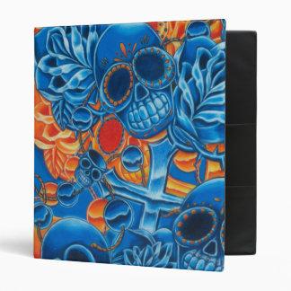 Carpeta azul y anaranjada de los cráneos