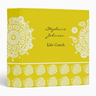Carpeta blanca amarilla del ornamento elegante de
