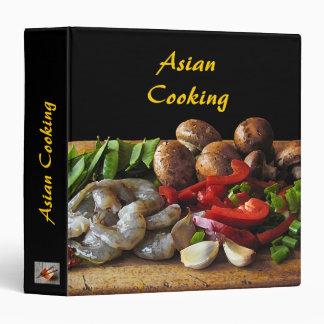 Carpeta de cocinar asiática de la receta