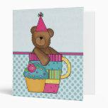 Carpeta de la magdalena del oso del cumpleaños - a