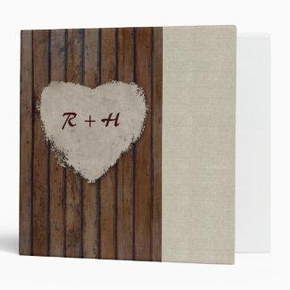 Carpeta de lino de madera del corazón de la mirada