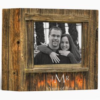 Carpeta del aniversario de boda de madera del gran