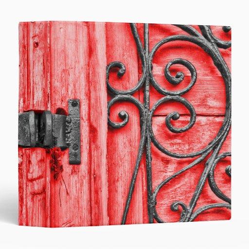 Carpeta del hierro rojo y labrado