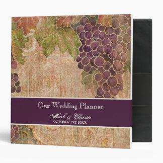 Carpeta envejecida del planificador del boda del v