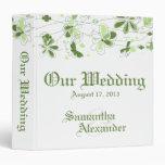 Carpeta floral verde de las memorias del boda de l