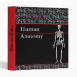 Carpeta humana de la anatomía con el esqueleto - p