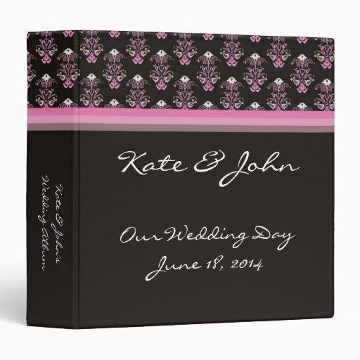 Carpeta negra y rosada del boda del damasco