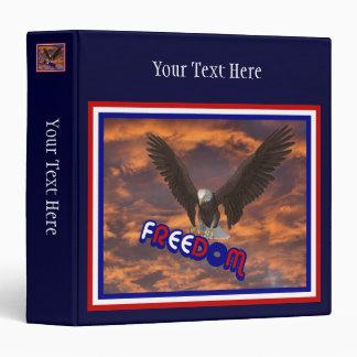 Carpeta patriótica calva de Eagle de la libertad