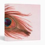 Carpeta roja de la pluma del pavo real
