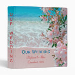 Carpeta rosada del boda de playa de la arena