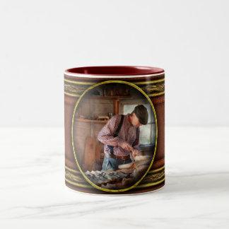 Carpintero - tallando - talla de un pato taza de café