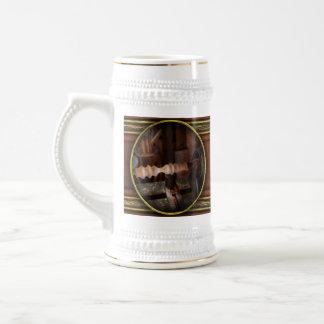 Carpintero - torno - versión preliminar jarra de cerveza