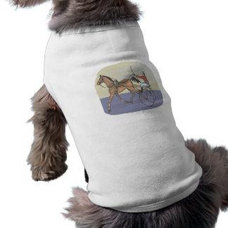 Carrera de caballos 4 camisetas de perrito
