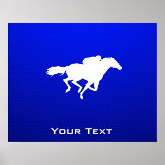 Carrera de caballos azul poster