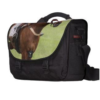 Carrera de caballos bolsas para portátil