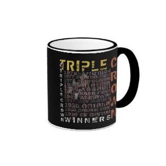 Carrera de caballos de los ganadores del Triple Cr Taza De Café