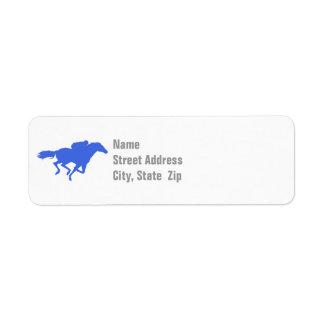 Carrera de caballos del azul real etiqueta de remite