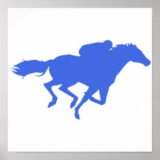 Carrera de caballos del azul real póster